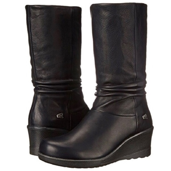 a50716e86862 KEEN Kate slouch wedge pull on boots